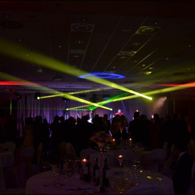Ples politickej strany SIEŤ