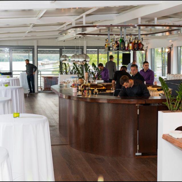 Otvorenie novej reštaurácie Surf&Turf